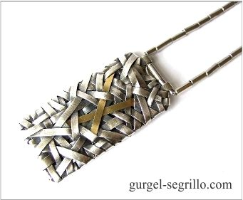 contemporary jewellery by patricia gurgel segrillo: woven necklace in fine silver and gold, one gram of gold exhibition, gallery meno nisa